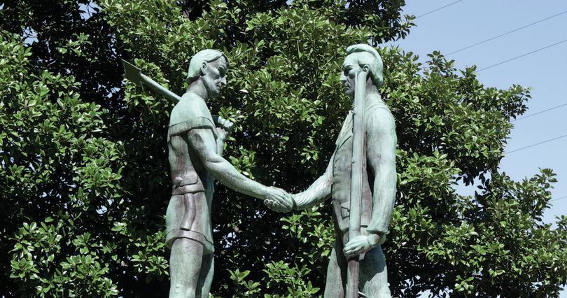 Founders of Nashville shaking hands: iStock.com/anthonysp