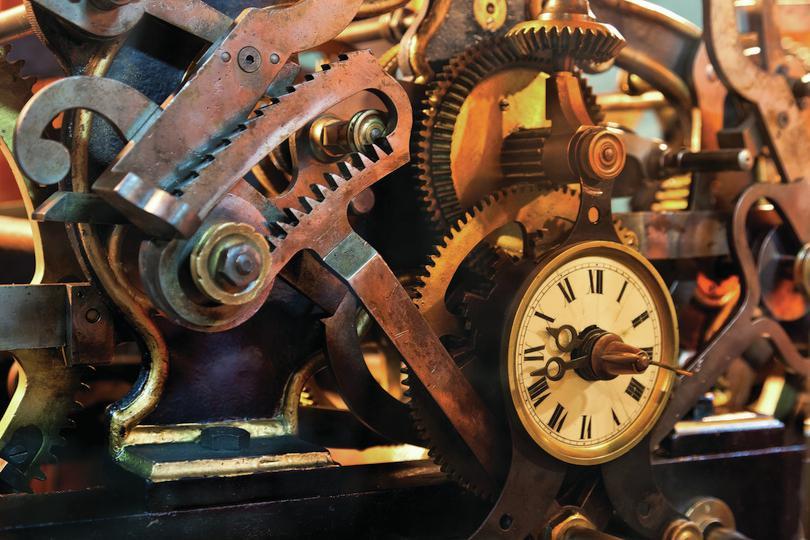 Mécanismes de vieille horloge: Jose Ignacio Soto/Shutterstock.com