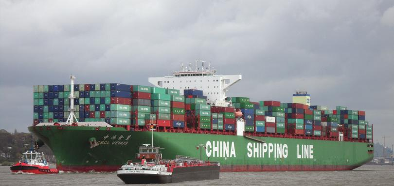 Container ship CSCL Venus of the China Shipping Line: Buonasera, https://goo.gl/mCTZNb, licensed under CC BY-SA 3.0